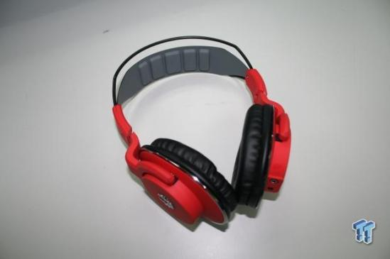 bitFenix_enters_in_the_audio_market_flo_headset_is_their_first_production